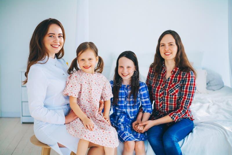 kobiet doktorscy medyczni potomstwa obrazy stock