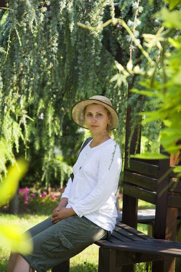 kobiet parkowi potomstwa fotografia royalty free