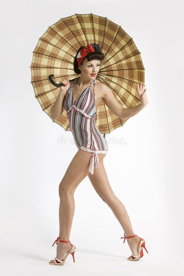 kobiet piękni parasolowi potomstwa zdjęcie stock