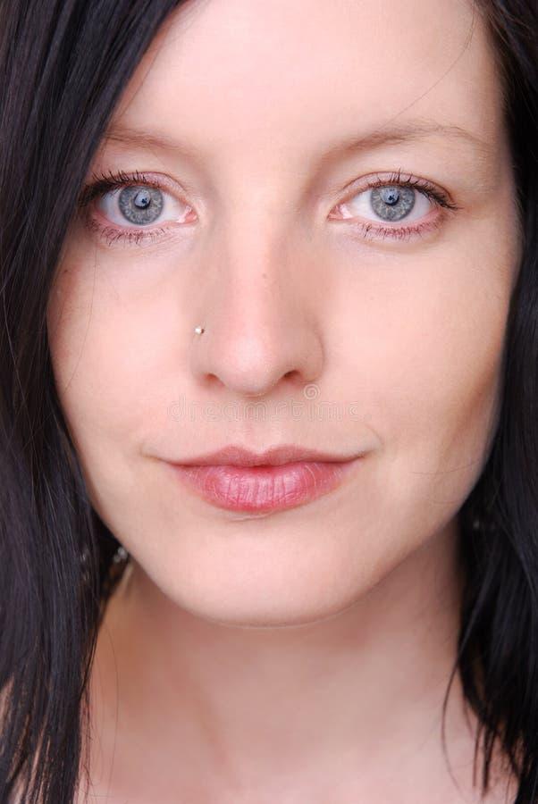 Download Kobiet piękni potomstwa zdjęcie stock. Obraz złożonej z potomstwa - 13328964