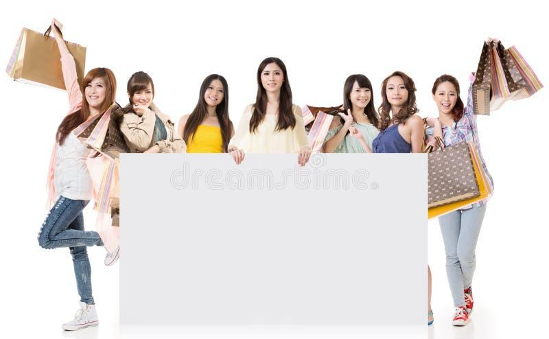 Kobiet Robić zakupy zdjęcia stock