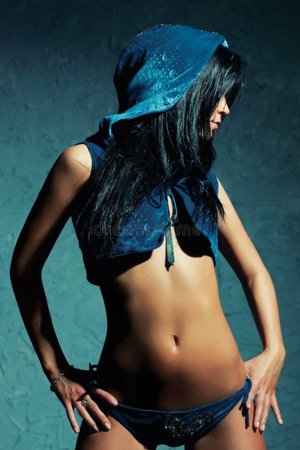 Download Kobiet seksowni potomstwa zdjęcie stock. Obraz złożonej z czerń - 13342694