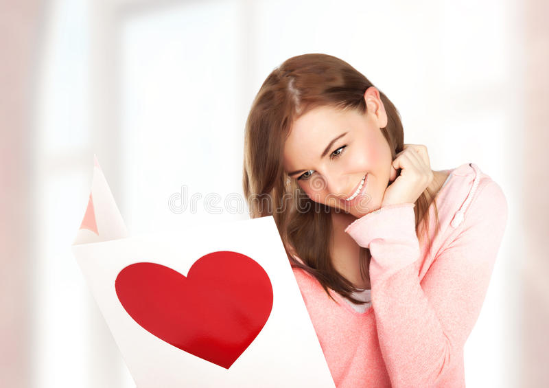 Kobieta dostać pocztówkę fotografia royalty free