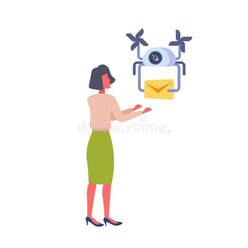 Kobieta dostaje papierowej kopertowej wiadomości drobnicowego trutnia doręczeniowej usługi pojęcia post lotniczego transportu biz royalty ilustracja
