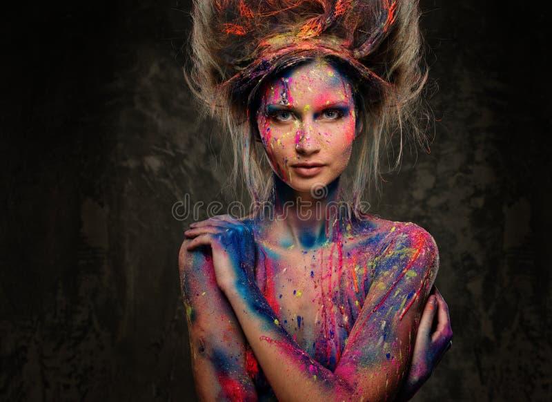 Kobieta duma z ciało sztuką obrazy stock