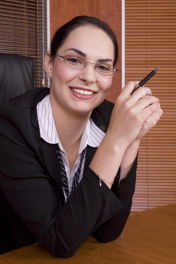 kobieta gospodarczej pióro uśmiechu zdjęcie royalty free
