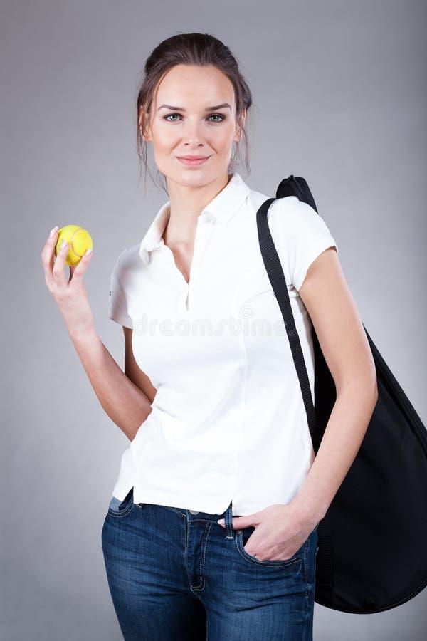 Kobieta iść tenisowy szkolenie fotografia stock