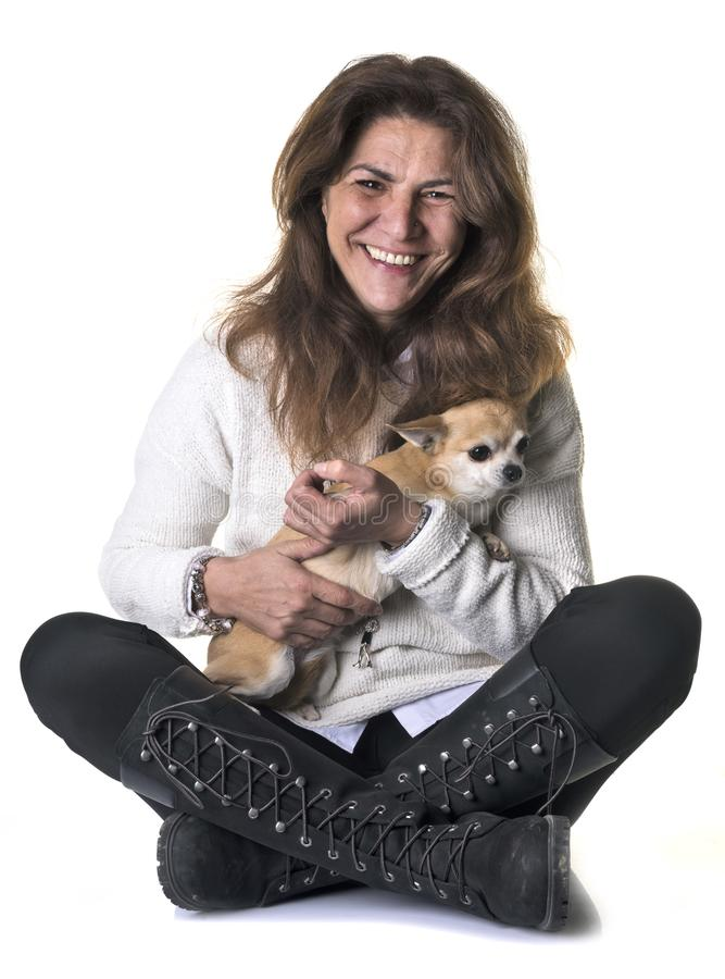 Kobieta i chihuahua fotografia royalty free