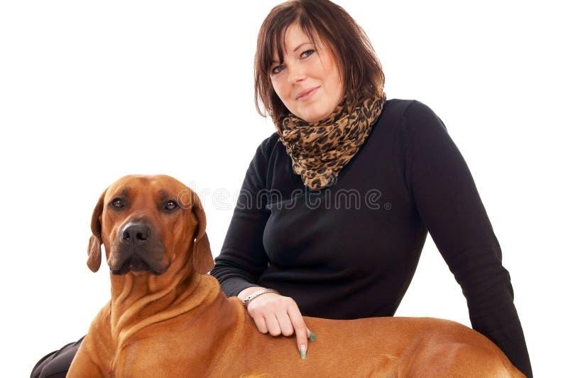 Download Kobieta i pies obraz stock. Obraz złożonej z właściciele - 28970003