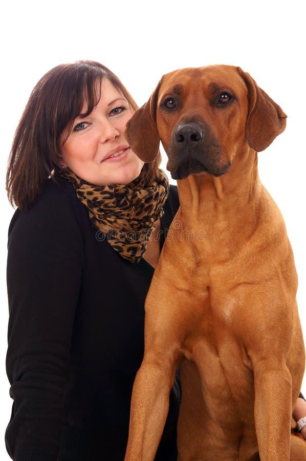 Download Kobieta i pies zdjęcie stock. Obraz złożonej z zwierzęta - 28970342