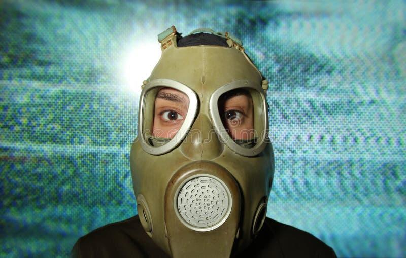 Kobieta jest ubranym maskę gazową zdjęcia stock