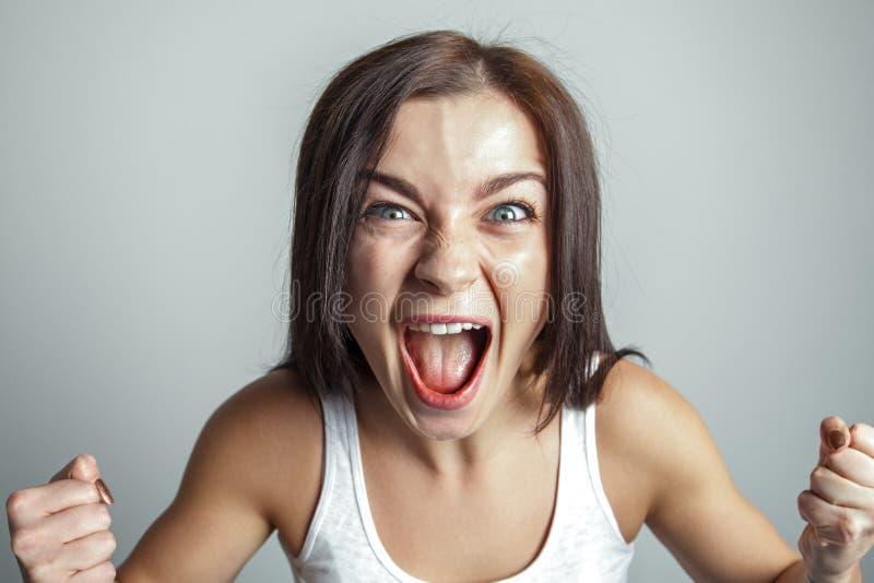 Kobieta krzyczy w furii obraz stock