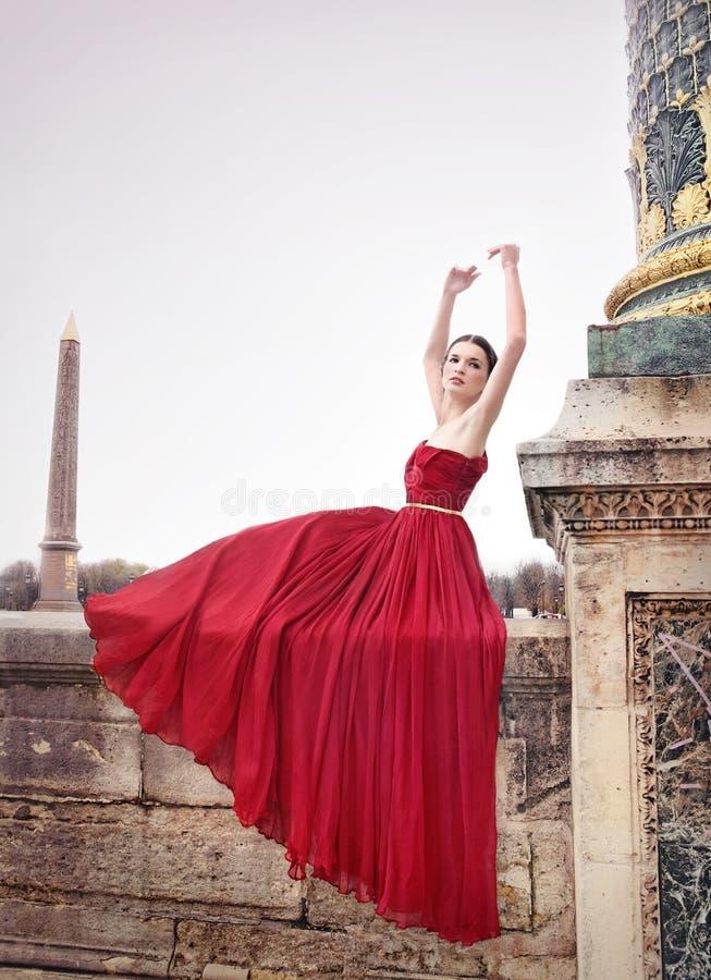 Kobieta kwadrat w Paryż publicznie, Francja fotografia stock