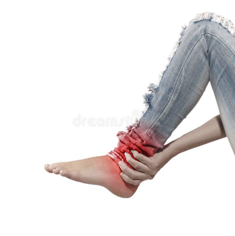 Kobieta masuje ona łydki - anatomia mięśnie zdjęcie stock