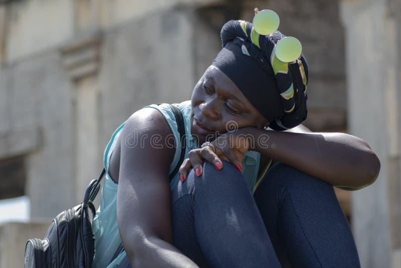 Kobieta model od Accra odwiedza Takoradi Ghana obrazy stock