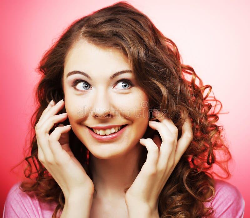 Kobieta model z świeżym dziennym makeu zdjęcia stock