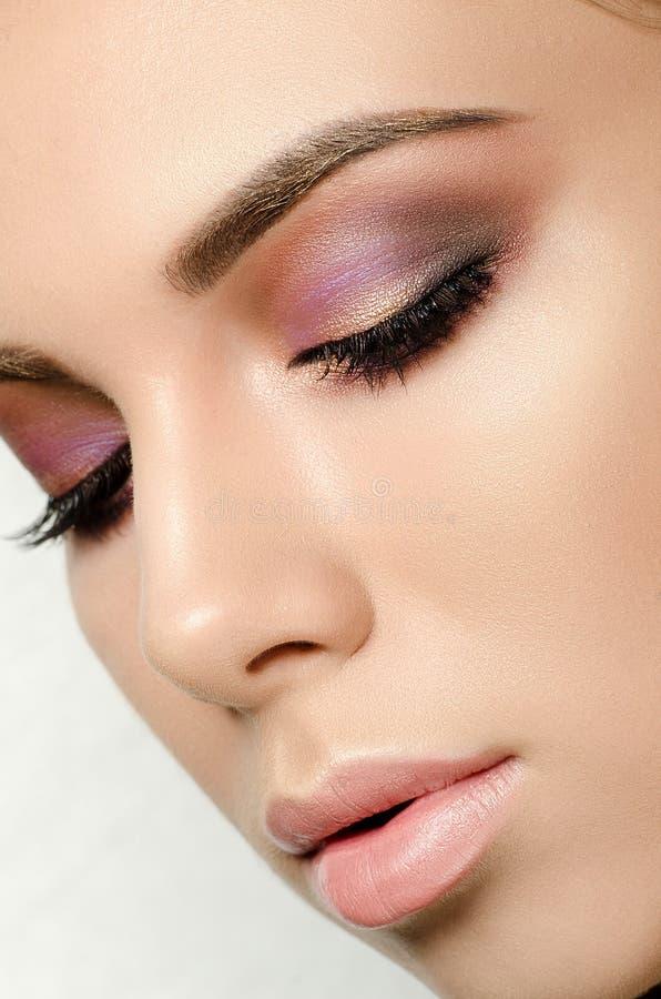 kobieta mody Elegancka całkowita odmiana blisko twarz obrazy stock