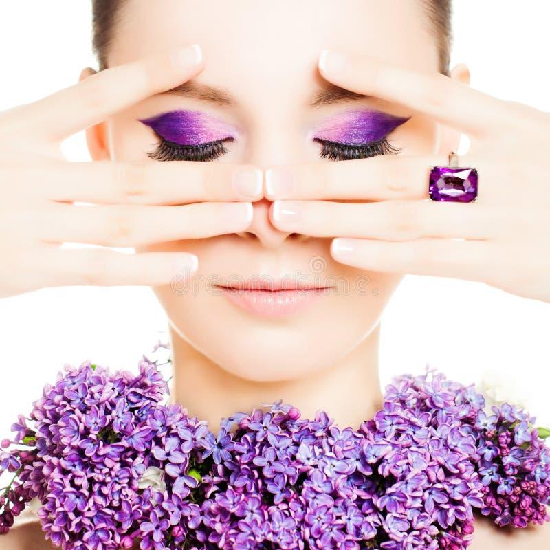 kobieta mody Piękni Makeup i manicure'u gwoździe zdjęcia royalty free