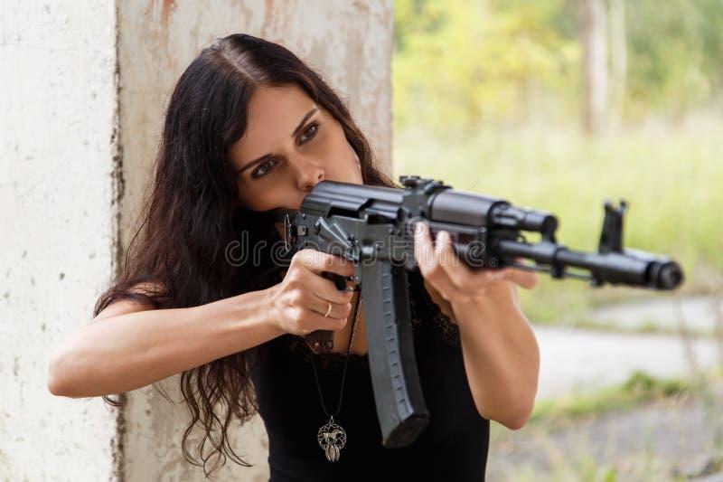 Kobieta na polu bitwy fotografia royalty free