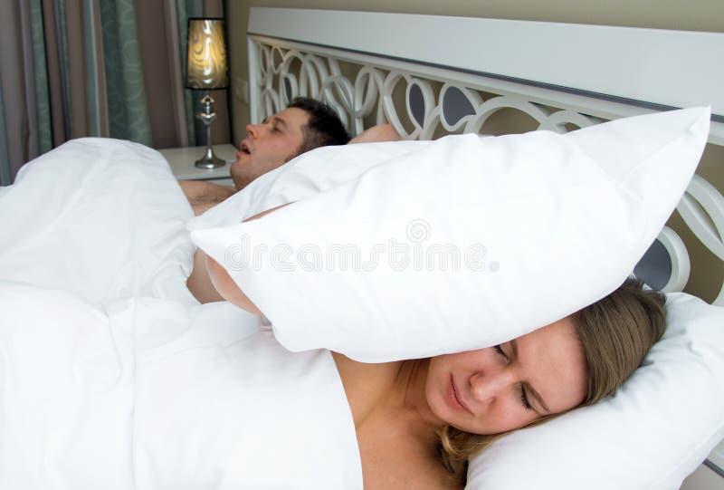 Kobieta no może spać obraz stock