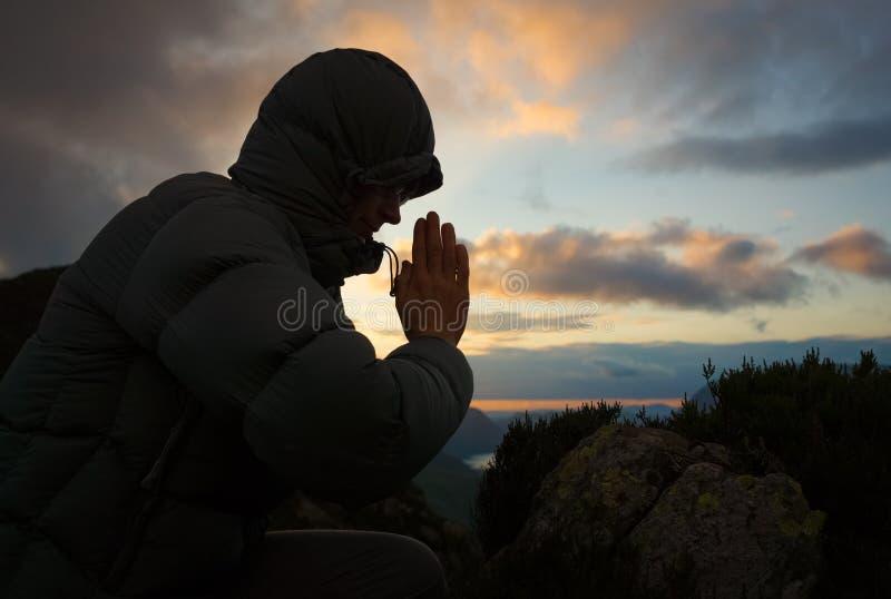 Kobiety modlenie zdjęcia royalty free