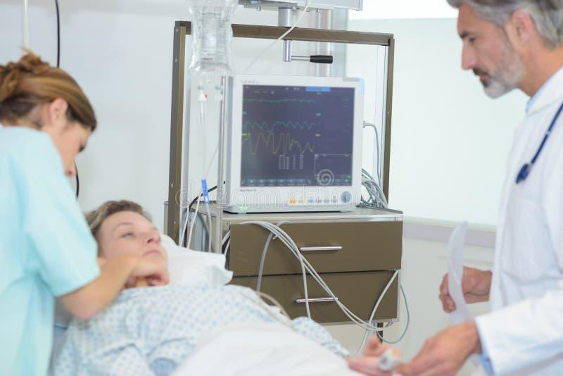 Kobieta pacjent w szpitalu zdjęcia royalty free