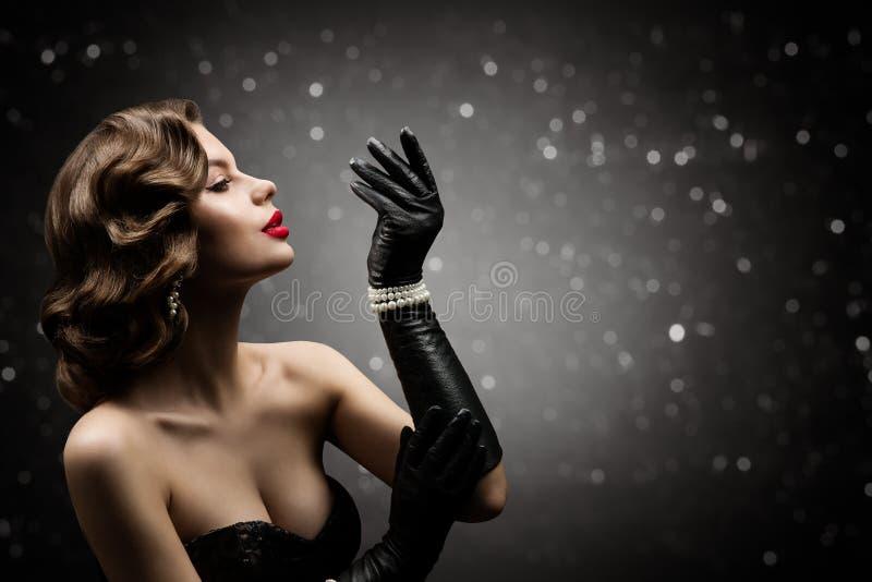 Kobieta Piękna Retro Styl Włosów, Model Mody Ubierz Fryzurę, Elegancka Pani zdjęcie stock