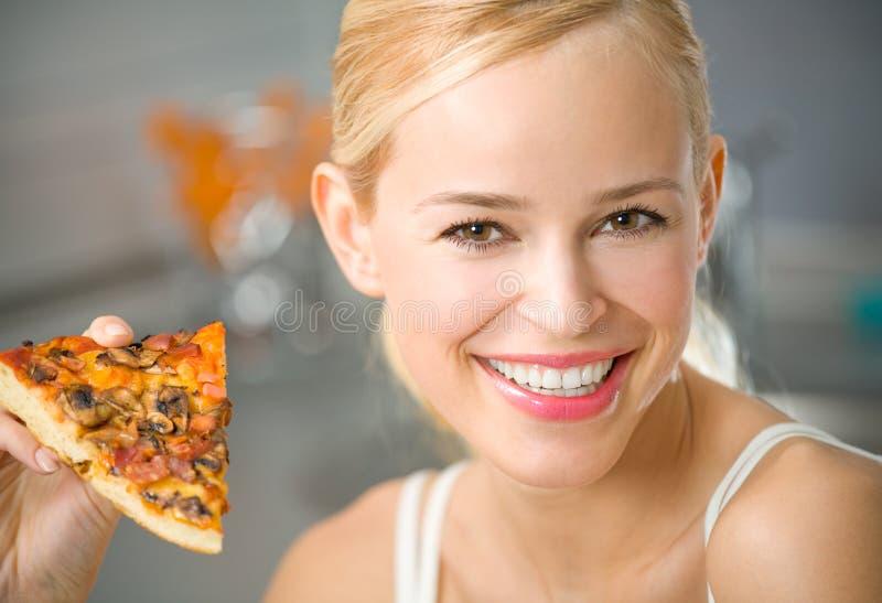 kobieta pizzy obrazy stock