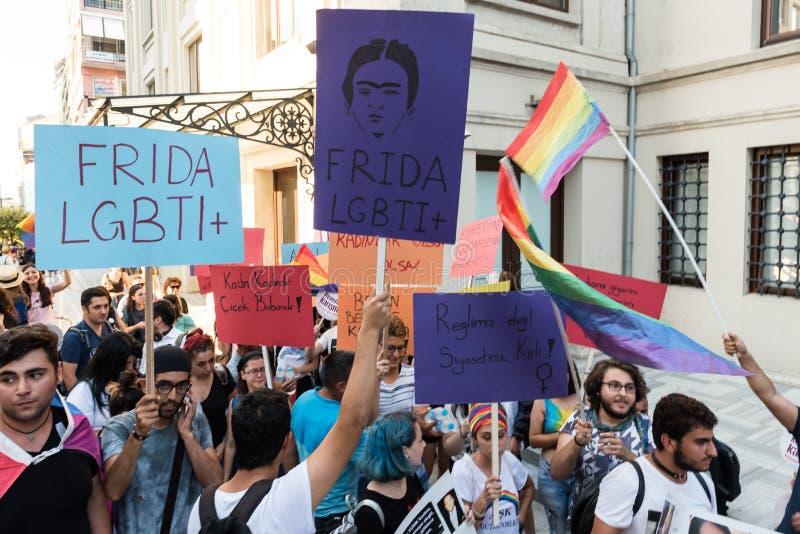 Kobieta protestujący zbierają w kadikoy, Istanbuł, Turcja obrazy stock