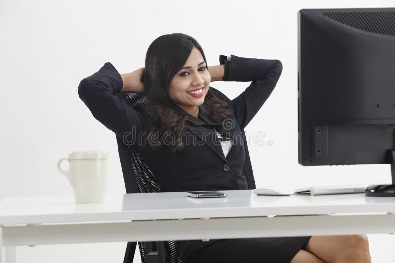 kobieta relaksująca jednostek gospodarczych obraz stock