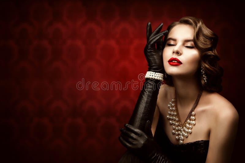Kobieta Retro Piękna Portret, Model Mody Ubierz Fryzurę, Elegancka Pani zdjęcia stock