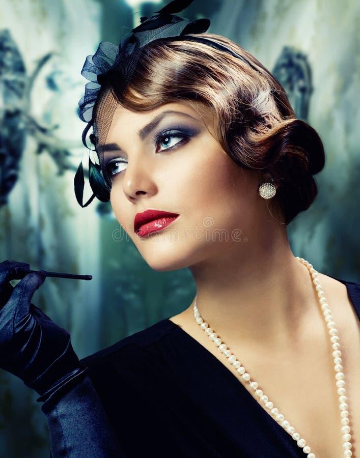 Kobieta retro Portret. Rocznik Projektujący fotografia stock