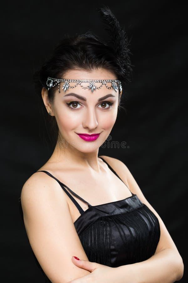 Kobieta retro Portret Rocznik Stylowa dziewczyna Jest ubranym Staromodnego kapelusz i rękawiczki obraz royalty free