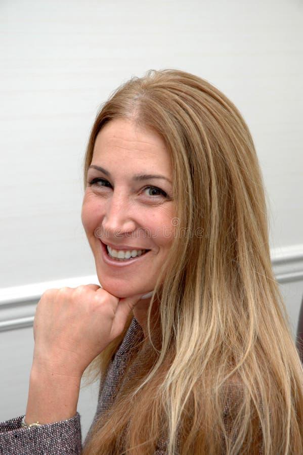 kobieta rozochocona jednostek gospodarczych zdjęcia royalty free