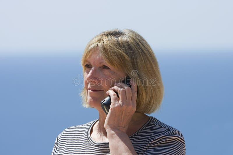 kobieta seniora telefonu zdjęcie stock