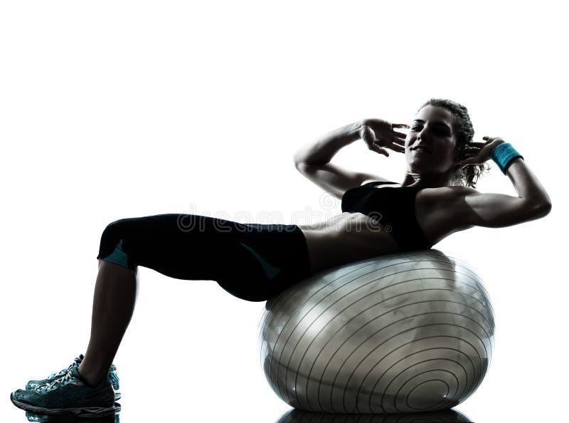 Kobieta target1142_0_ sprawności fizycznej piłki trening fotografia stock