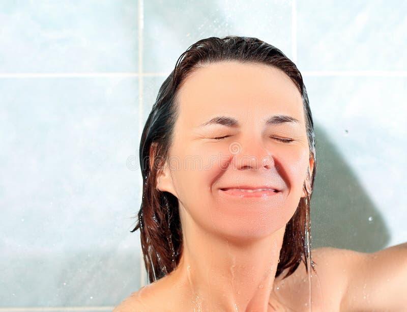 Kobieta w łazience zdjęcia stock