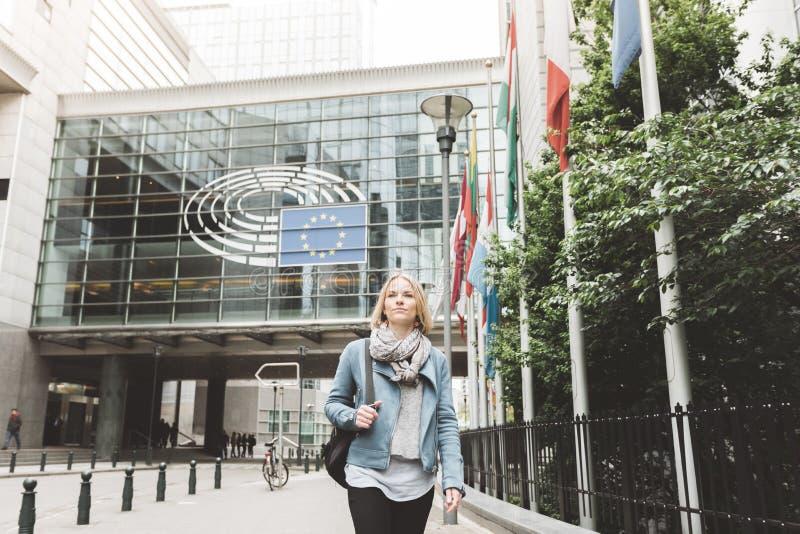 Kobieta w Bruksela, Belgia zdjęcia royalty free
