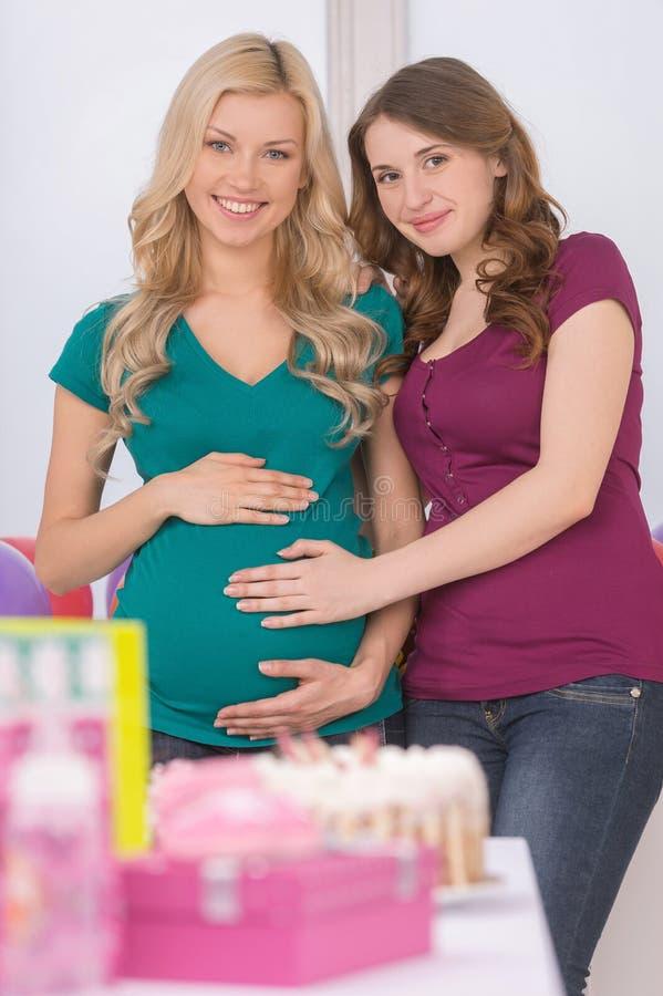 Kobieta w ciąży na dziecko prysznic. obrazy stock