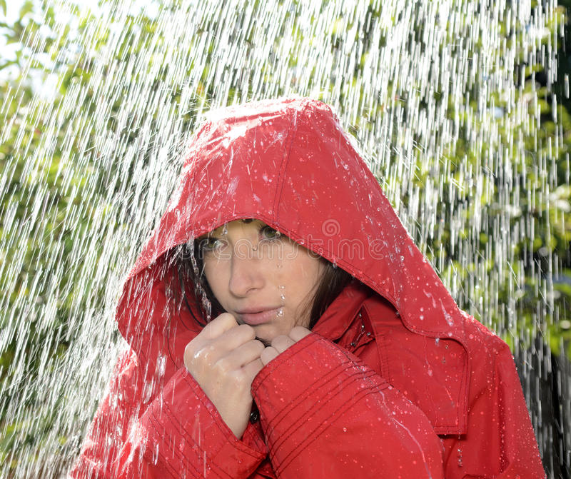 Kobieta w deszczu zdjęcie royalty free