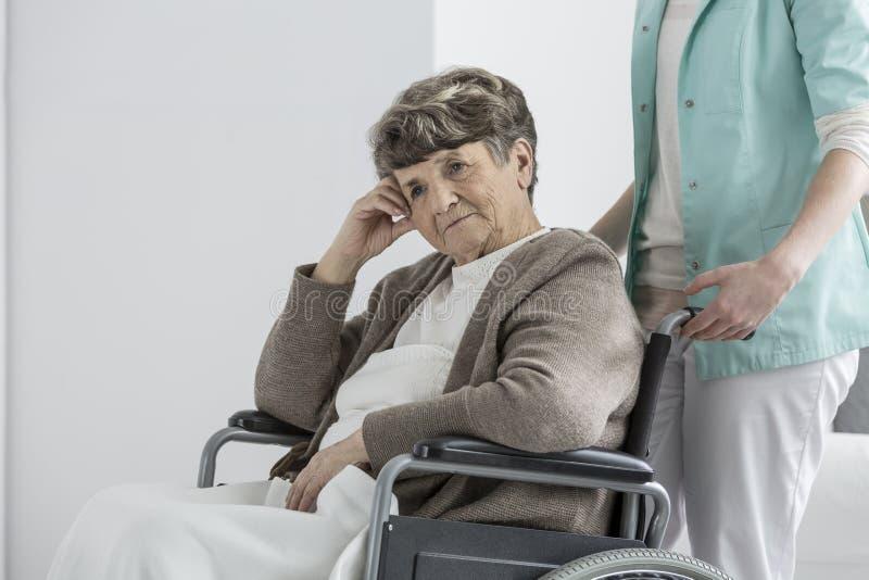 Kobieta w emerytura klubie zdjęcie stock