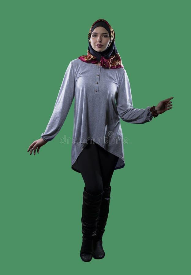 Kobieta w Hijab na zieleń ekranie zdjęcie stock