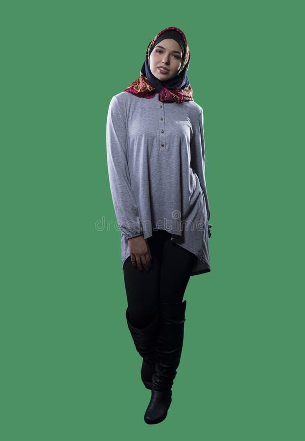 Kobieta w Hijab na zieleń ekranie obraz stock