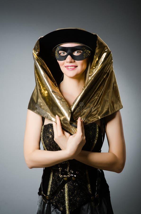Kobieta w pirata kostiumu zdjęcia royalty free