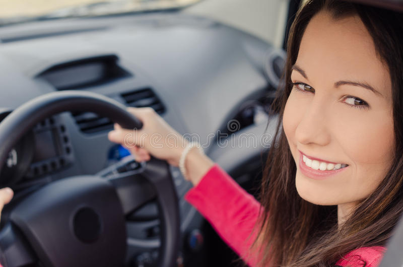 Kobieta w samochodzie obrazy royalty free