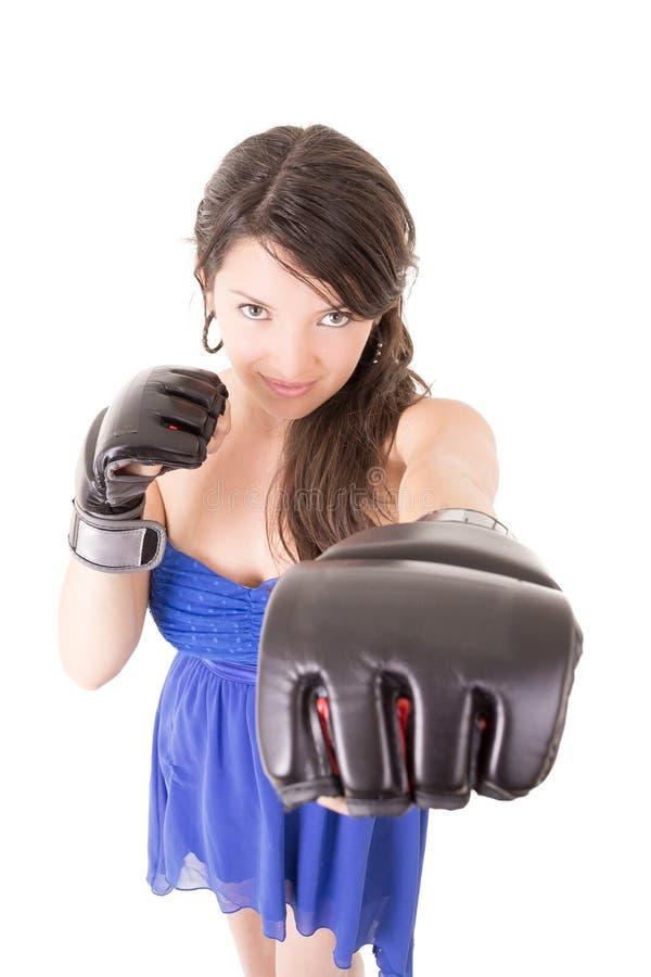 Kobieta w smokingowej i bokserskiej rękawiczce na bielu obrazy royalty free