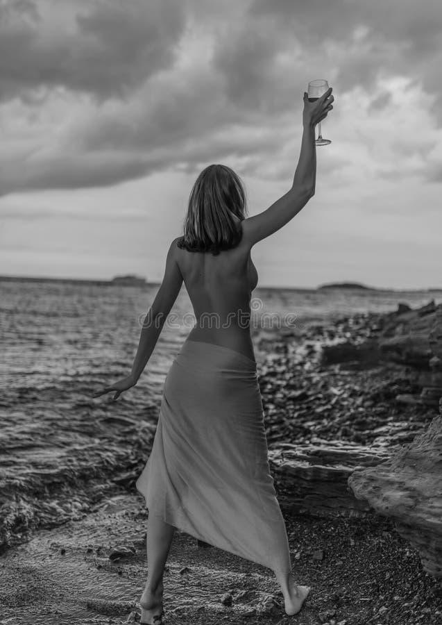 Kobieta w sukni obraz stock