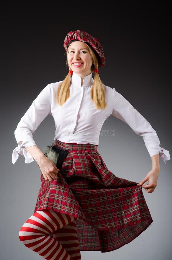 Download Kobieta W Tradycyjnej Szkockiej Odzieży Obraz Stock - Obraz złożonej z kilt, kurtka: 57652143