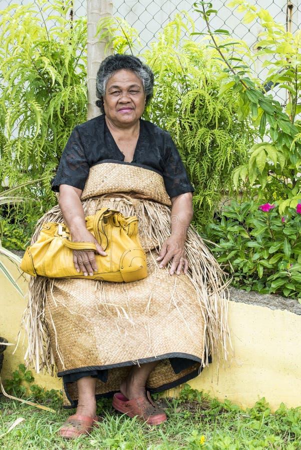 Kobieta w tradycyjnych ubraniach Tonga zdjęcie stock