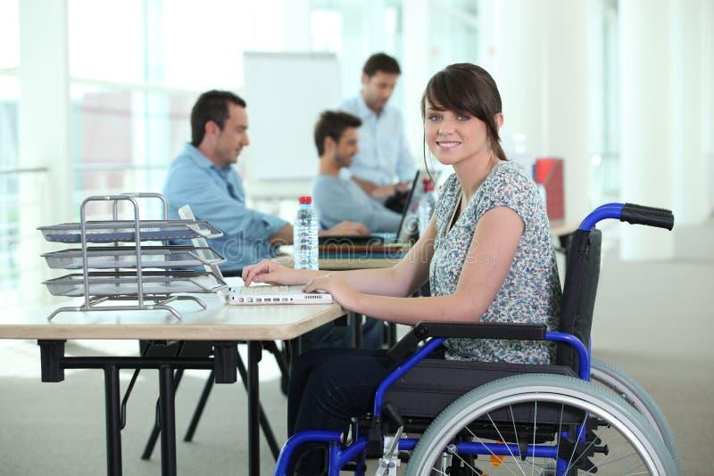 Kobieta w wózek inwalidzki obrazy royalty free